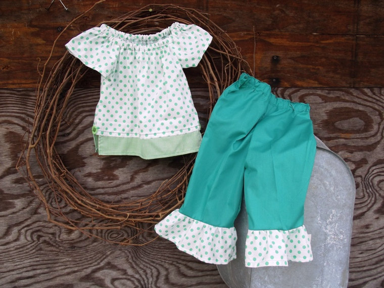 Girls Peasant dress top and ruffled pants, size 3 in green (2,)