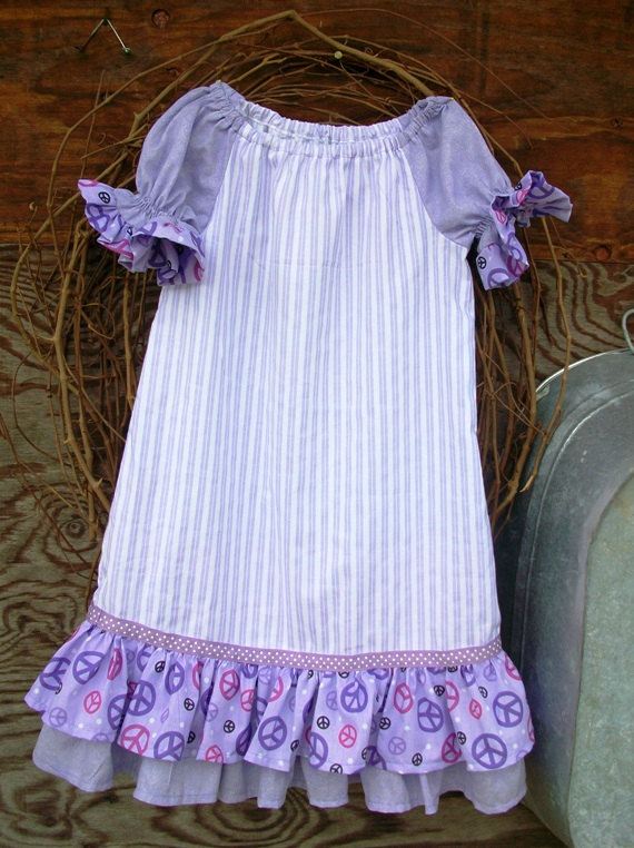 Girls Dress size 6,ruffles, short sleeves,